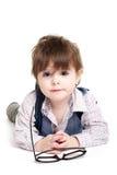 Gulligt smart behandla som ett barn ungen med exponeringsglas Fotografering för Bildbyråer