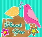 Gulligt tacka dig att card med två fåglar som sitter på ett träd Fotografering för Bildbyråer
