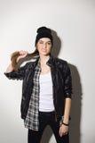 Gulligt tonårs- posera för hipsterflicka Royaltyfri Fotografi