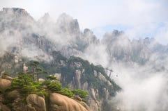 Gult berg (Huang Shan) royaltyfria bilder