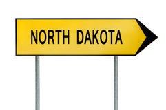 Gult gatabegreppstecken North Dakota som isoleras på vit Royaltyfri Foto