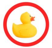 Gummientengelbspielzeug für das Schwimmen lokalisiert auf weißem Hintergrund, das Zeichen Lizenzfreies Stockfoto