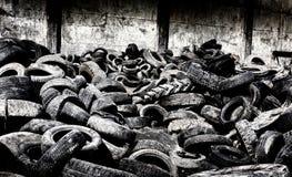 Gummihjulåtervinningbransch royaltyfri fotografi