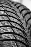 Gummihjul på hjul för bil Arkivfoto