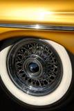 gummihjulväggen wheels vit tråd Arkivbilder