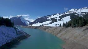 Gummilack de l ` Hongrin ist ein Reservoir in Waadt, die Schweiz Das Reservoir mit einer Fläche von 1 60 KM2 0 62 Quadrat-MI ist  stock video footage