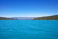 Gummilacka de Sainte-Croix, sjö av Sainte-Croix, Klyfta du Verdon royaltyfri bild