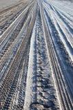 Gummireifenspuren auf Sand Lizenzfreies Stockbild