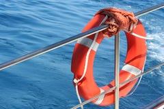 Gummiring auf einem Boot Lizenzfreie Stockbilder