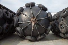 Gumowi fenders dla statków zdjęcia royalty free