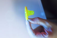Gumowy kondoma antykoncepcyjny Obraz Stock
