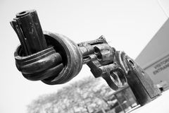Gun tied in a knot. Outside UN headquarters, New York City Royalty Free Stock Images