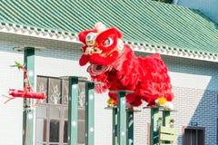GUNAGDONG,中国- 2015年11月27日:在黄飞鸿狮子的舞狮 库存照片