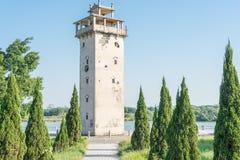 GUNAGDONG, КИТАЙ - 17-ое декабря 2015: Башня Nanlou известное историческое Стоковая Фотография RF