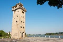 GUNAGDONG, КИТАЙ - 17-ое декабря 2015: Башня Nanlou известное историческое Стоковое Изображение