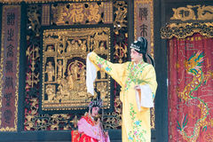 GUNAGDONG, CHINA - 28 Nov. 2015: Chinese opera in Foshan Ancestra Royalty-vrije Stock Afbeelding