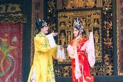 GUNAGDONG, CHINA - 28 Nov. 2015: Chinese opera in Foshan Ancestra Stock Foto's