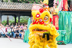 GUNAGDONG, CHINA - 28 Nov. 2015: Lion Dance in Foshan Voorouderlijk T Stock Foto's