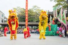 GUNAGDONG, CHINA - 28. November 2015: Lion Dance in Foshan ererbte T Stockfotografie