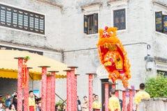 GUNAGDONG, CHINA - 28. November 2015: Lion Dance in Foshan ererbte T Stockfotos