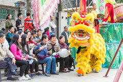 GUNAGDONG, CHINA - 28. November 2015: Lion Dance in Foshan ererbte T Lizenzfreies Stockfoto