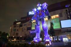 Gundam RX78-2 med ljus show i Tokyo Royaltyfria Bilder