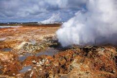 Gunnuhver geotermisk områdesReykjanes halvö sydliga Island royaltyfri bild