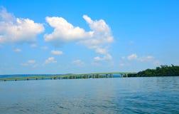 Guntersville sjö, bro över Tennessee River Royaltyfri Foto