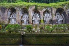 Gunung Kawi jest świątynnym kompleksem ześrodkowywającym wokoło królewskich grobowów zdjęcia royalty free