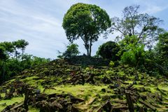Gunung Padang巨石站点在展玉,西爪哇省,印度尼西亚 免版税库存图片
