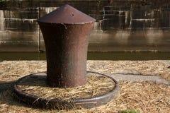 Gunwale sul bordo di vecchia serratura Immagini Stock Libere da Diritti