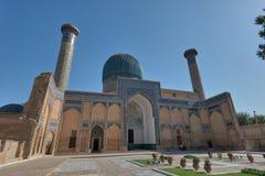Gur-e-Amir Mausoleum in Centraal Samarkand, Oezbekistan langs stock afbeeldingen