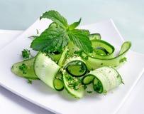 gurkan görar grön salladsesam Royaltyfri Foto