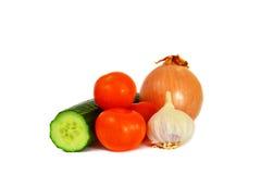 Gurke, Tomaten, Zwiebel und Knoblauch lizenzfreie stockfotos