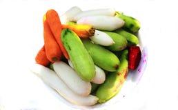 Gurkenkarotten-Rettichsalat frisch lizenzfreies stockbild