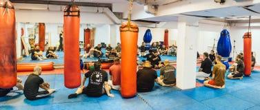 Guro Roger Agbulos Lameco Astig Combative FMA seminarium Belgrade Royaltyfri Foto