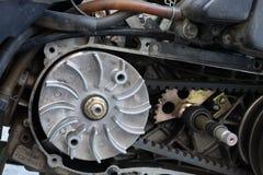 Gurtersatz-Flaschenzuggetriebe auf dem Roller ununterbrochen Wechselgetriebe u. x28; CVT& x29; stockfotografie