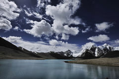 Gurudangmar See, Nord-Sikkim, Indien Lizenzfreie Stockbilder