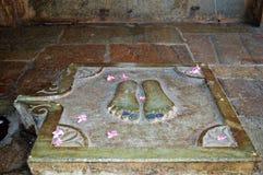 Gurus Schritte außerhalb Mira Temple Chittorgarh Rajasthan Indias stockfoto