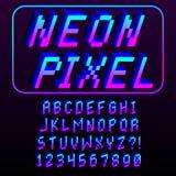 Guss-Alphabet und Zahlen des Pixel-3D lokalisiert Stockbilder