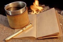 Gusto de la aventura y del romance en un fuego XXXL Imagen de archivo libre de regalías