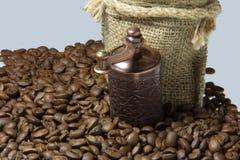 Gusto insaziabile di caffè da iniziare il giorno Immagini Stock Libere da Diritti