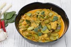 Gusto piccante di timoriana di parkia del pollo del curry immagine stock