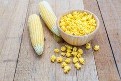 Gusto salato del formaggio del popcorn fotografie stock libere da diritti