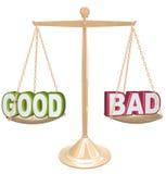 Gut gegen schlechte Wörter auf der Skala, die Positive gegen Negative wiegt Lizenzfreies Stockbild