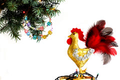 Guten Rutsch ins Neue Jahr 2017 auf dem chinesischen Kalender der Hahnschablonenkarte Lizenzfreies Stockfoto