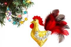 Guten Rutsch ins Neue Jahr 2017 auf dem chinesischen Kalender der Hahnschablonenkarte Stockfoto
