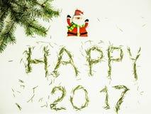 Guten Rutsch ins Neue Jahr-Design auf weißem Hintergrund mit Kiefer und Weihnachtsmann Lizenzfreie Stockbilder
