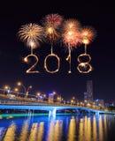 2018-guten Rutsch ins Neue Jahr-Feuerwerk mit Jubiläumbrücke nachts, Singa Stockbild