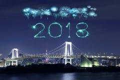 2018-guten Rutsch ins Neue Jahr-Feuerwerk Schein mit Regenbogenbrücke, Tokyo Stockbilder